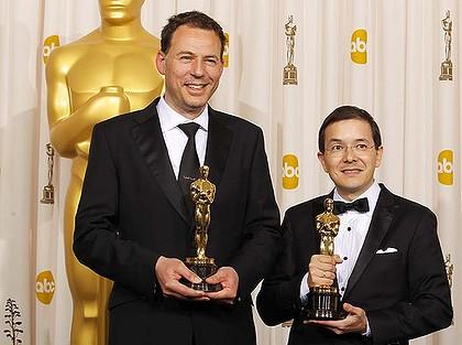 Andrew Ruhemann y Shaun Tan, con el Oscar al Mejor cortometraje de animación 2011 conseguido por The Lost Thing.